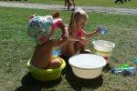 kids met water hoofd koel