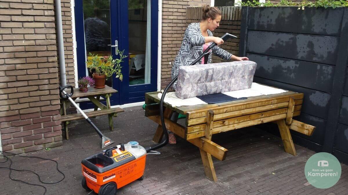Schoon Caravan schoonmaken tapijtreiniger