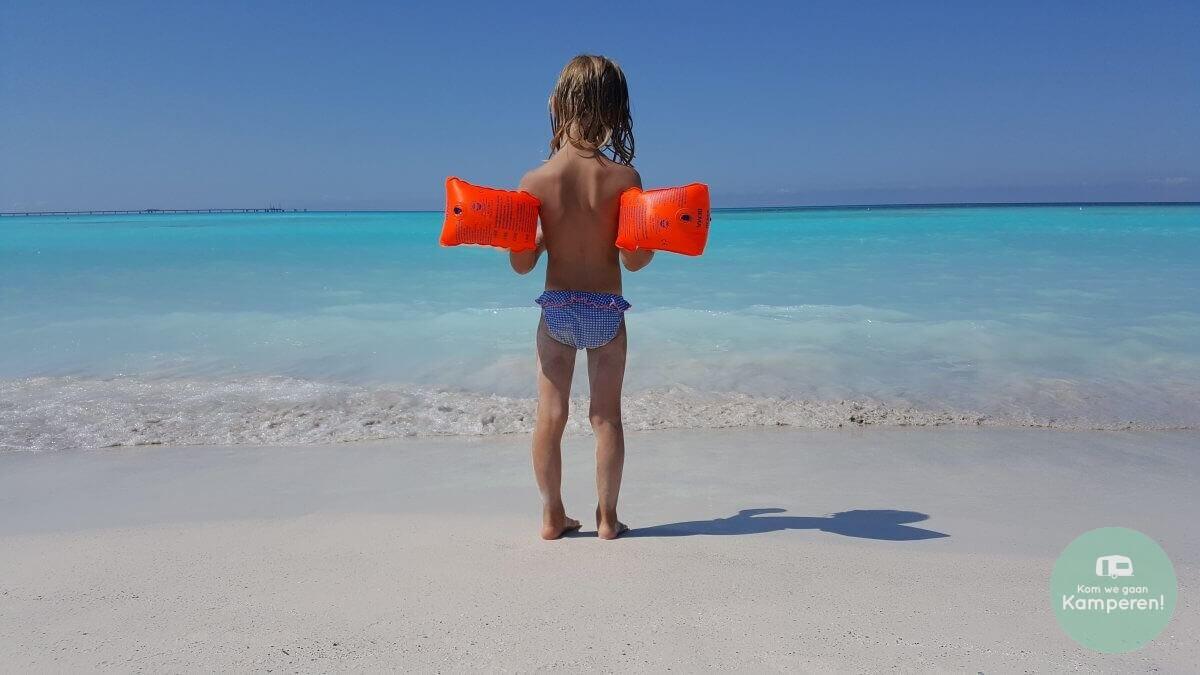 Vado white beach blue water kids zwembandjes