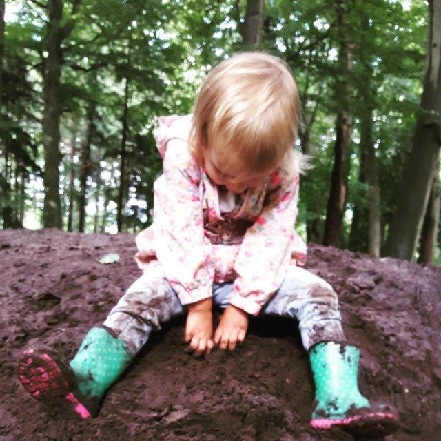 Lekker modderig weertje! nietkamperen welbuiten komwegaankamperen muddy